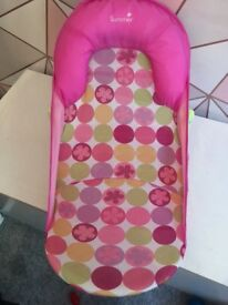 Summer pink baby bath seat - like new