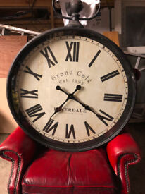 Riverdale grand cafe clock