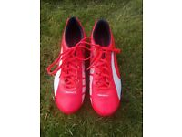 Puma Football Boots (Mens size 7)