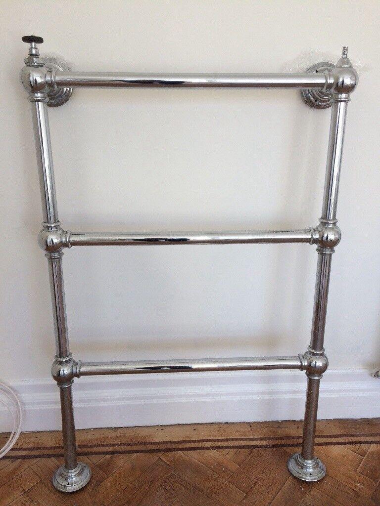 Traditional chrome radiator towel rail