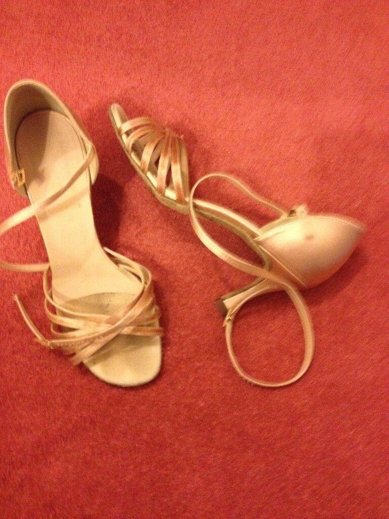 Ladies gold ballroom dancing shoes 5 1/2