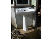Wash Basin with Pedastel and chrome taps. White. Twyford make
