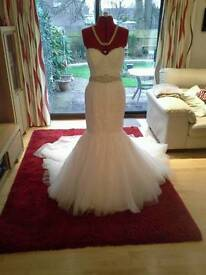 Ivory Lace and Tulle Mermaid Alfred Angelo Wedding Dress