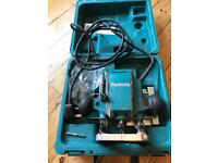 Makita router rp0900x