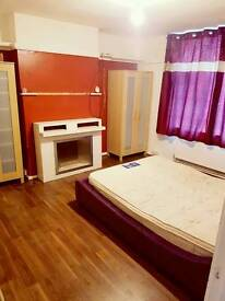 ROOMS TO LET LE3/LE4 FROM £80PW