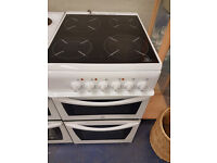 white indesit 50cm ceramic cooker perfect working order excellent condition