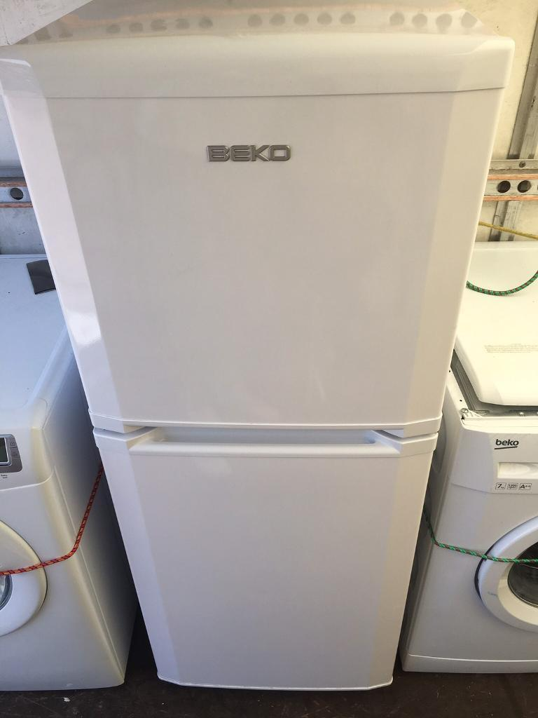 Beko fridge freezer with free deliveryin Shoreham by Sea, West SussexGumtree - Excellent condition beko 60/40 fridge freezer, in perfect working order and as new condition, 138cm h x 55cm w, can deliver for free within 5 miles to ground floor only(meaning no steps) and £1 a mile after that
