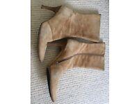 Vintage Kurt Geiger suede pointy boots