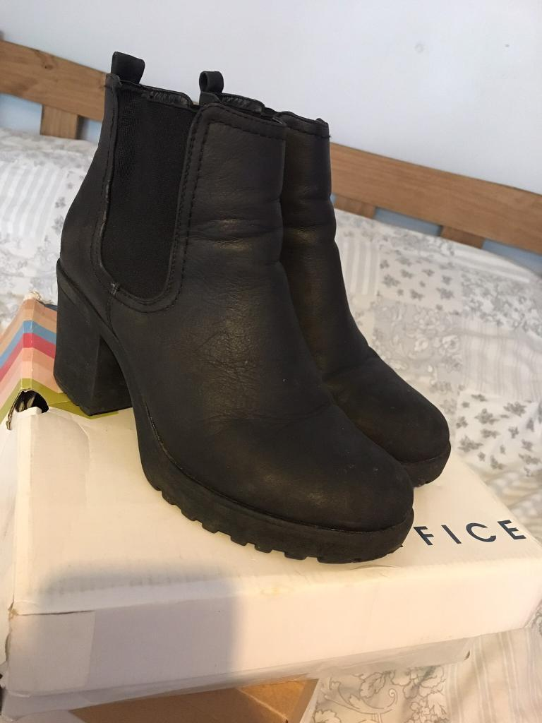 Womens boots size 6in Norwich, NorfolkGumtree - Womens boots worn but loads of use left size 6, £5 collection NR7 Yarmouth road Thorpe st andrew