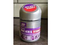 Boots Folic Acid & Vitamin D tablets