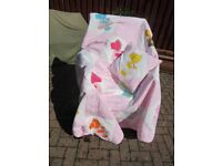 QUILT. SUNBONNET SUE With 2 MATCHING CUSHIONS Double Bed Size