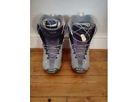 Salomon snowboarding boots size 5.5