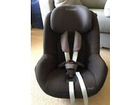 Maxi Cosi Pearl Toddler Car Seat including Familyfix ISOfix base