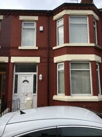 Newly refurbished 3 bedroom 2 bathroom terraced house for rent in old swan