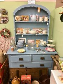 Dresser. Vintage Fairy pitch
