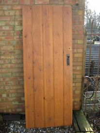 PINE LEDGE door [internal] c/w hinges & suffolk latch