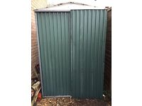 7 X 5ft Apex Roof Green Metal Shed with Sliding Door and Wooden Frame Base