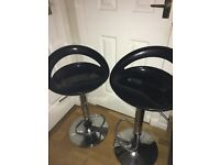 Nearly new 2 kitchen bar stools black