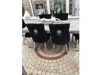 Table & chairs x6