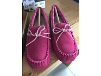 Uggs ryder rose pink brand new in box size 4