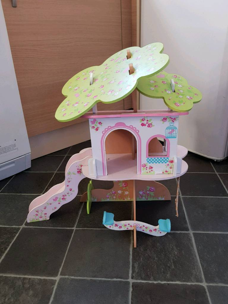 Rosebud bolls house Tree house