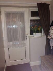 2 bed ground floor flat exchange, Blendworth Lane, Harefield