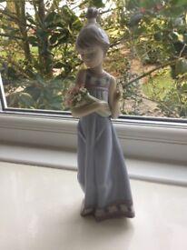 LLadro GENUINE 5604 'Spring Taken' Girl holding flowers. Mint Condition