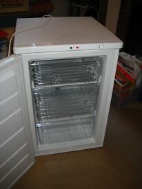 Zanussi ZFT11105WA freezer. White. Excellent condition; as new, within 2-year John Lewis warranty