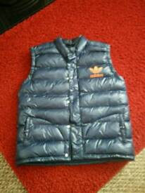 Adidas mans body warmer size xl excellent condition worn once blue