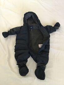 Baby Gap Cozy Bear super warm size 0-6 months