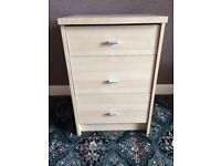 Small chest of 3 drawers in light beech