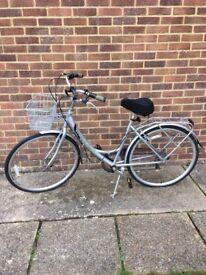 Mayfair ladies bicycle 6 speed