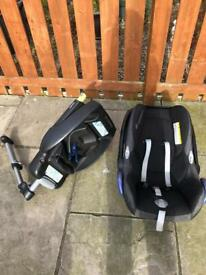 Maxi cosi pebbles car seat and isofix base