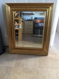 Very sturdy mirror