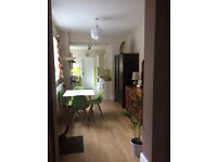 Large Double Room in Quiet Location