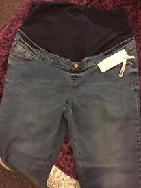 BRAND NEW new Look maternity jeans size 16 £8