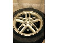 Discovery 2 alloys 5 inc tyres..