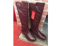 Heavenly Feet knee high cherry red boots size 3