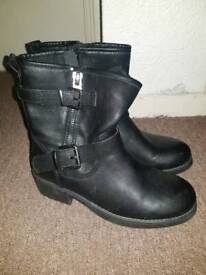 c3ddcd75b Authentic Beautiful Gucci Boots - Light Brown Leather - Size UK 5 ...
