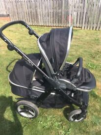Oyster Max Double Pram / Pushchair with Carrycot and Seat Unit - Black