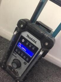 Makita Radio DAB plus 3amp battery