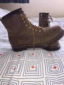Dr Martens 1460 crazy horse brown boots size UK8