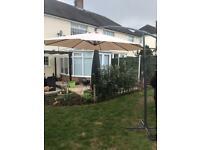 Adjustable overhanging Garden Parasol 3m