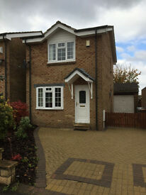 Detached 2 bedroom with private driveway, front and back garden and garage. fully furnished.