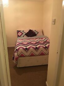 2 furnished Double rooms to rent to FEMALE ADULTS. Utility bills and Wi-fi included!