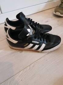 Adidas samba unisex size 6 worn but plenty wear left