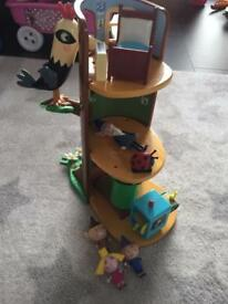 Ben and Holly Elf tree play set
