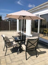 Garden Table & Chairs with cushions/umbrella