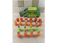 TRASH PACK GARBAGE TRUCK / LORRY WITH 20 TRASHIES