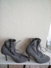 Boots Grey High Heel Soft Suede Feel Size 7